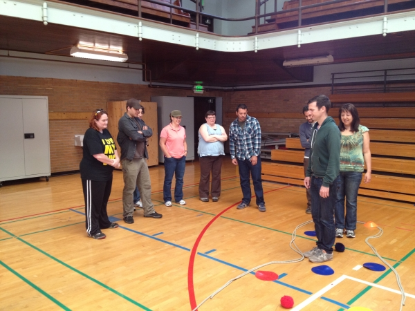 '12 cohort completing challenge course activity